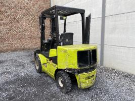 Clark CDP30 heftruck diesel (246)