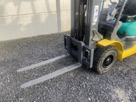 Komatsu FG25HT16R heftruck LPG triplex (241)