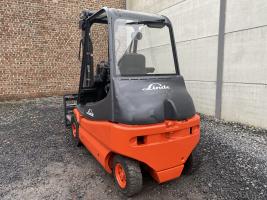 Linde E25-02 (239) heftruck elektrisch full free
