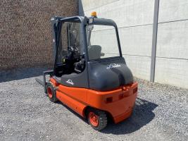 Linde E30-02 (209) heftruck elektrisch - 3 ton