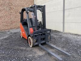 Linde H25T-01 heftruck op LPG (248)