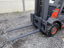 Linde H25T heftruck op LPG _ TRIPLEX - 2,5 ton (231)
