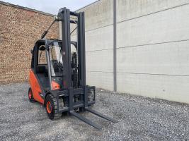 Linde H30D-02 heftruck triplex diesel 3 ton (232)