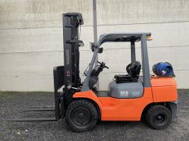 Toyota 02-7FGJF35 (211) heftruck LPG triplex 3,5 ton