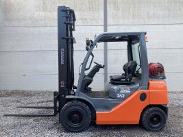 Toyota 42-8FGF25 heftruck 2,5 TON  op LPG (238)