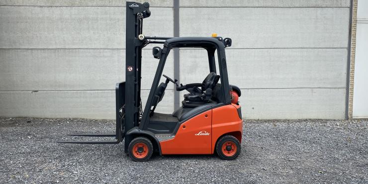 Linde H14T-01 heftruck op LPG triplex 190)