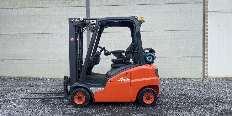 Linde H18T-01 (121) heftruck LPG