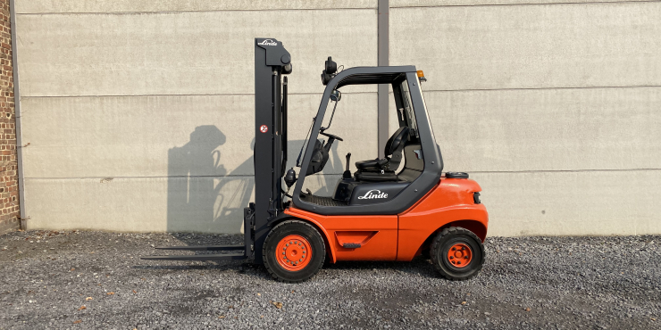 Linde H25D-03 diesel triplex (250)