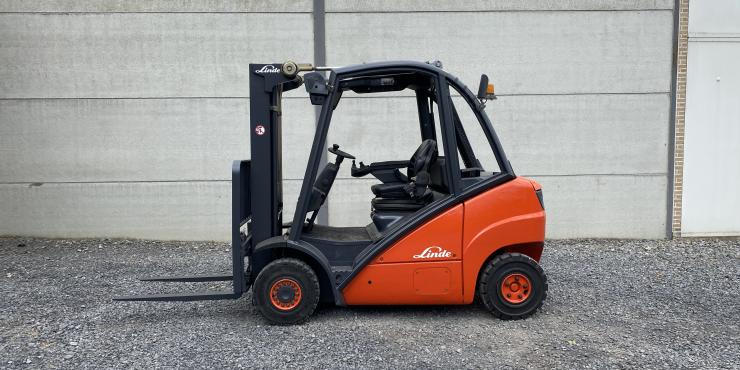 Linde H25D diesel triplex (210)