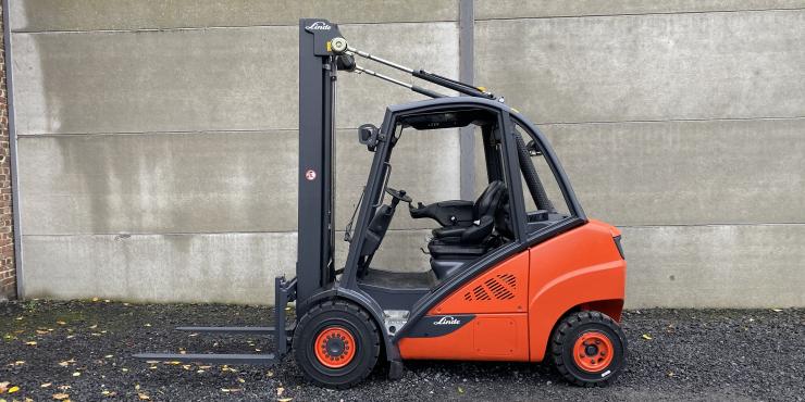 Linde H30D-02 heftruck triplex diesel 3 ton (210)
