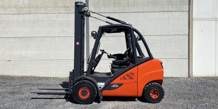 Linde H30D-02 heftruck triplex diesel 3 ton (233)