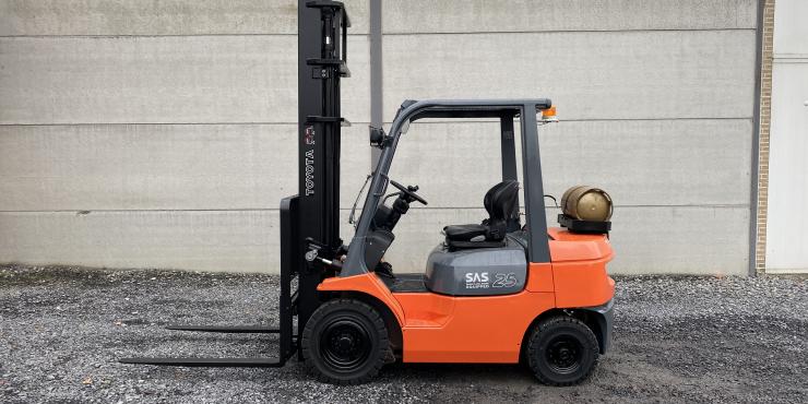 Toyota 42-7FGF25 heftruck 2,5 TON  op LPG (264)